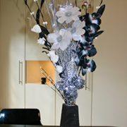 Bouquet-dans-un-vase-en-bois-noir-avec-20-lumires-LED-design-unique-Noir-Argent-0-0